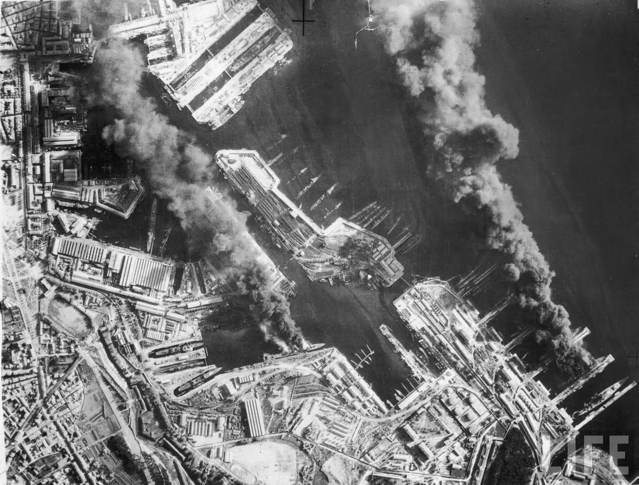 Le sabordage de la Flotte à Toulon (83) 27/11/1942 - Page 9 10nyo12