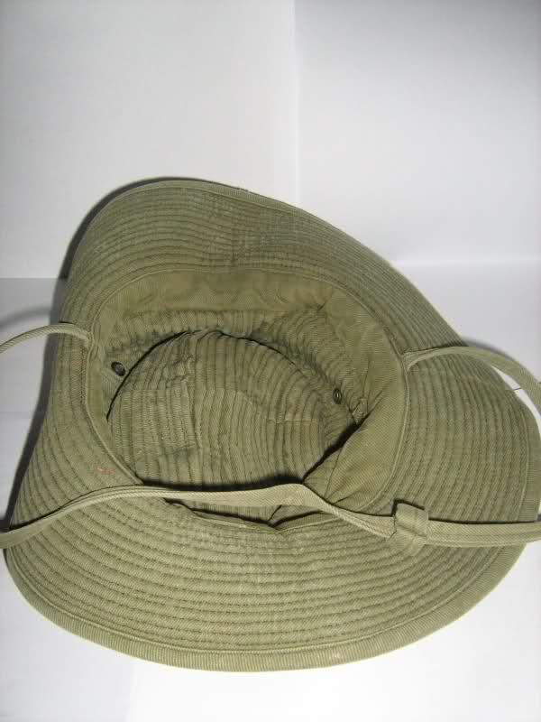 Le chapeau de broussse français 21153fd