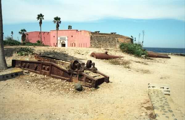 Batteries de Dakar (Gorée, Manuel, Sénégal) 28l9rnb