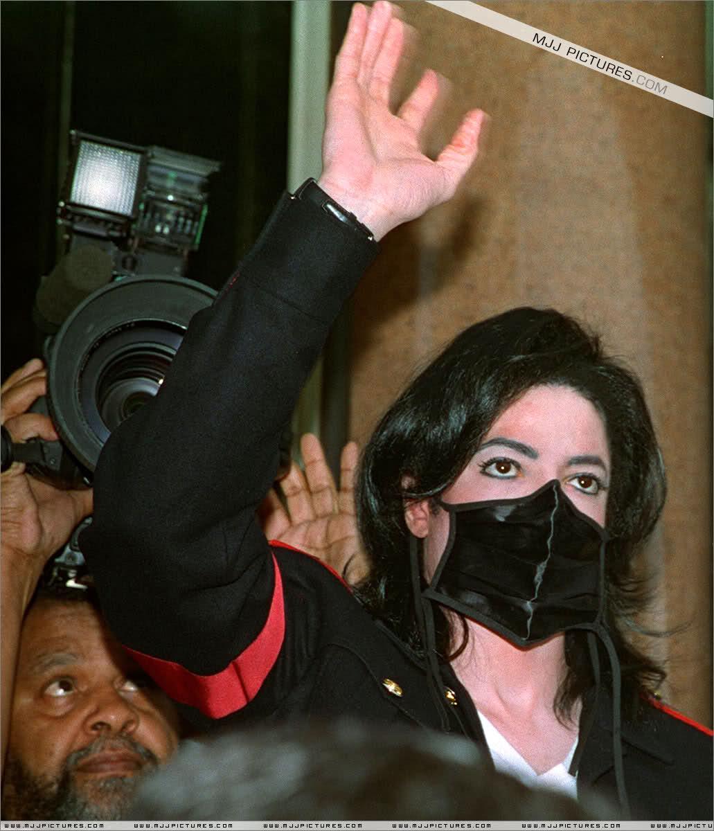 Foto di Michael Jackson con la mascherina - Pagina 6 2dmdnqu
