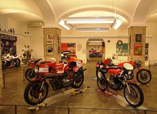 Exposición 24H Montjuich en Museo BCN 344s9bb