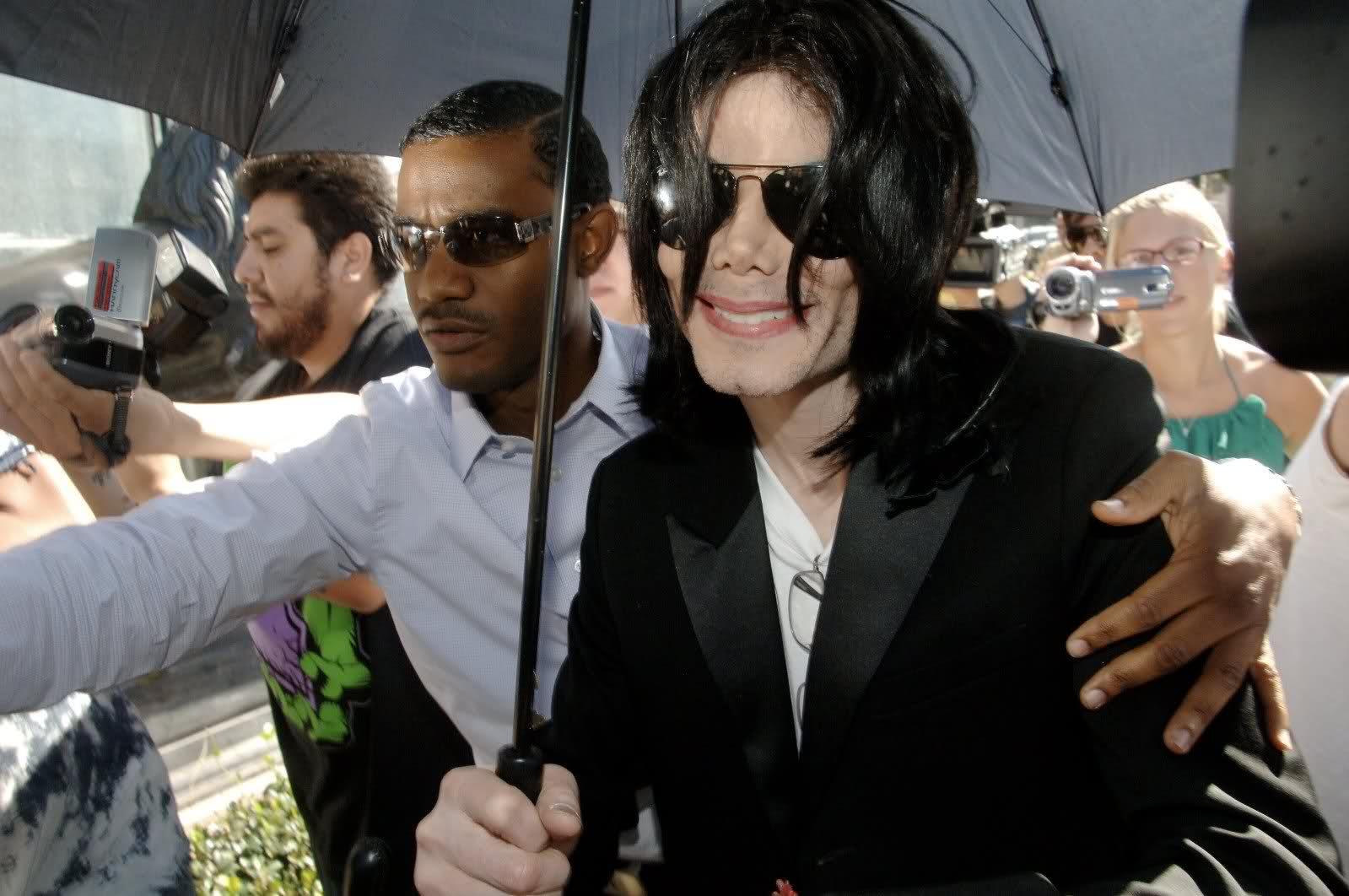 Il sorriso di Michael - Pagina 17 Ede0m