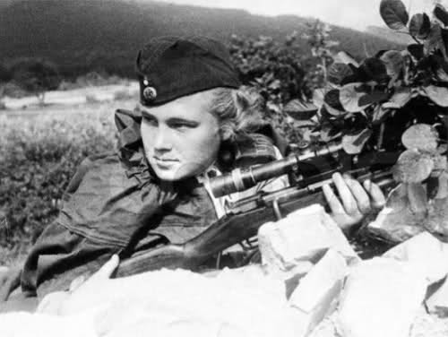 Femmes en guerre 16bm2km