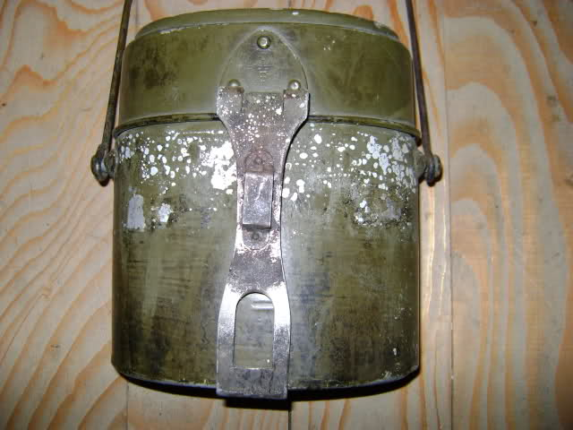 Equipements de l'armée suisse. 28b49oy