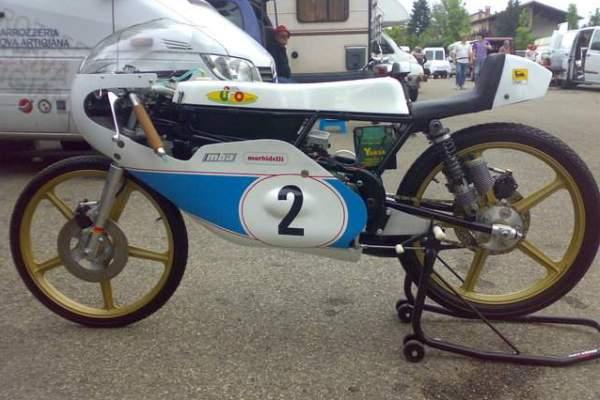 Amoticos de 50 cc GP 2yvs583