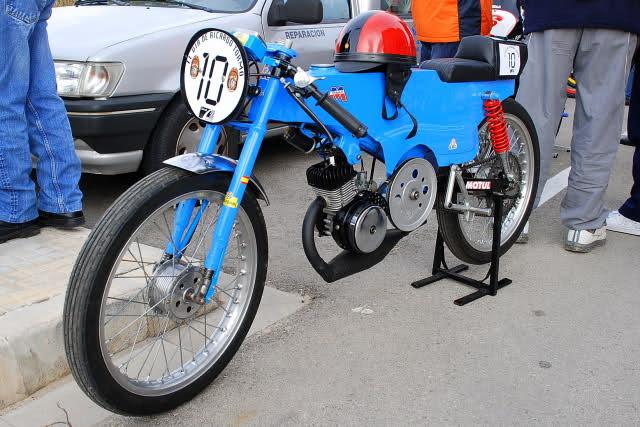 Exhibición de motos clásicas de competición en Beniopa (Valencia) 35k5ona