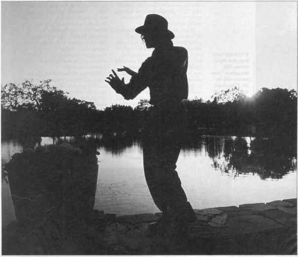 Raridades: Somente fotos RARAS de Michael Jackson. - Página 5 Avpzk7