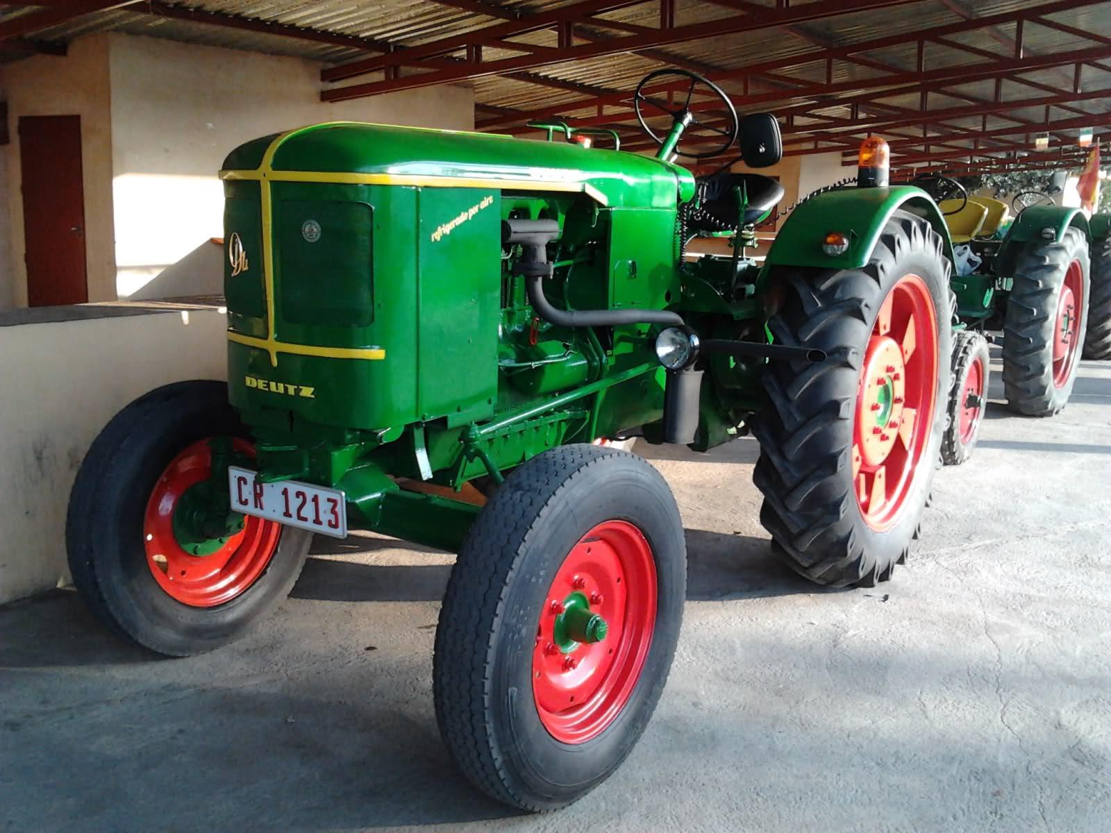 [Malagón] Exposición tractores antiguos Malagón (18 y 19 julio 2012) De5wuv