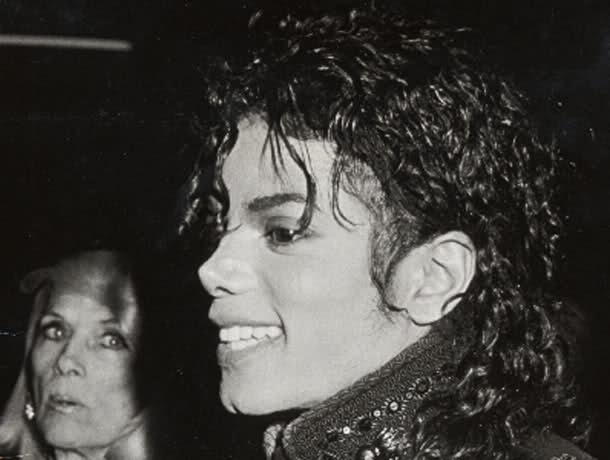 Il sorriso di Michael - Pagina 31 Fz2bo5