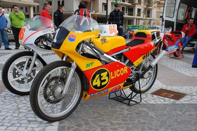 Exhibición de motos clásicas de competición en Beniopa (Valencia) I229t0