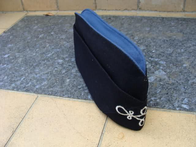 Les bonnets de police Sgmy4y