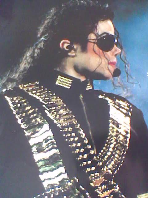 Michael Jackson in posa (anke come modello era bellissimo) - Pagina 2 W047p