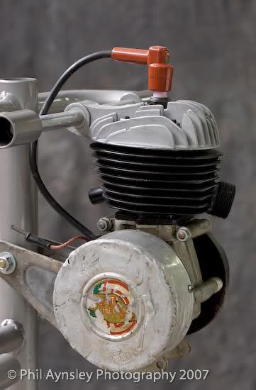Que cantidad de ciclomotores Ducati juntos 10sg40o