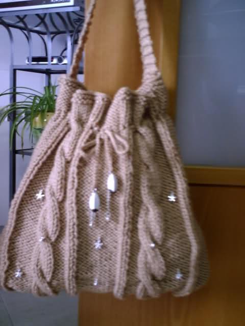 como - Como realizar un bolso de lana grande (con adornos abalorios) 20i9owk