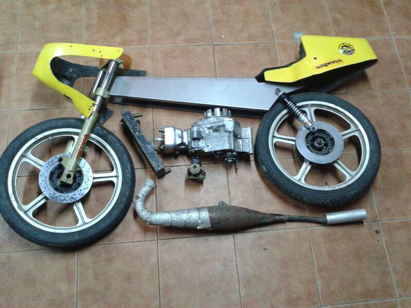 Réplica Bultaco 50 MOTUL Carmona 1982 24nfjuw