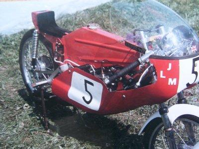 Amoticos de 50 cc GP 2mfyrk6