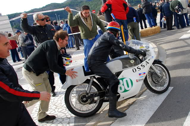 Exhibición de motos clásicas de competición en Beniopa (Valencia) - Página 2 2s6ugye
