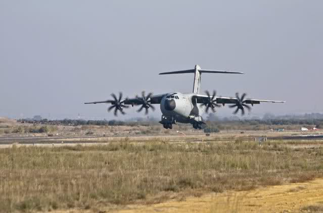 Airbus A400M - Page 3 332nxgy