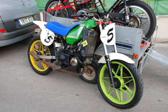 Exhibición de motos clásicas de competición en Beniopa (Valencia) Ea2u5h