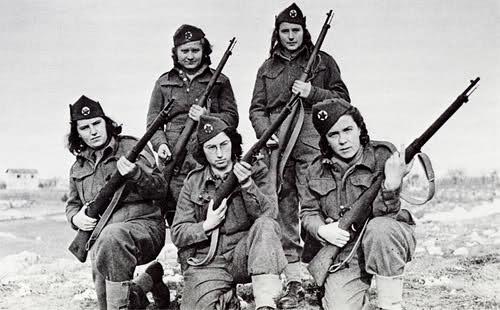 Femmes en guerre Oqi1qc
