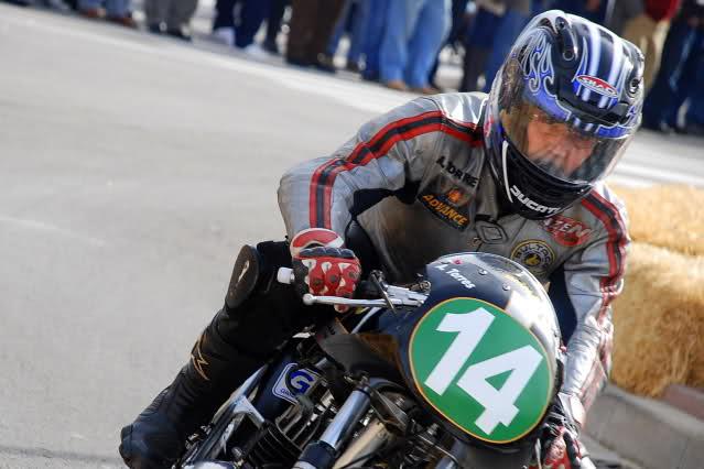 Exhibición de motos clásicas de competición en Beniopa (Valencia) - Página 2 241pi7r