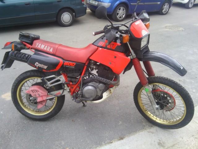 """Yamaha XS 400: """"el que la sigue la consigue"""" 2d7wtpx"""