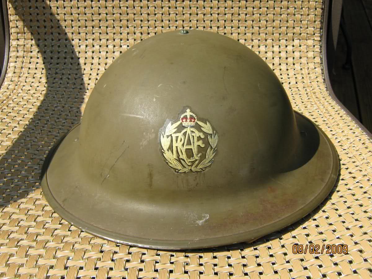 WW II Canadian Helmets 2ivfyu1
