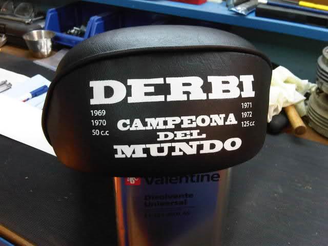 Vector logo asiento Derbi Antorcha Tricampeona 2m7he93