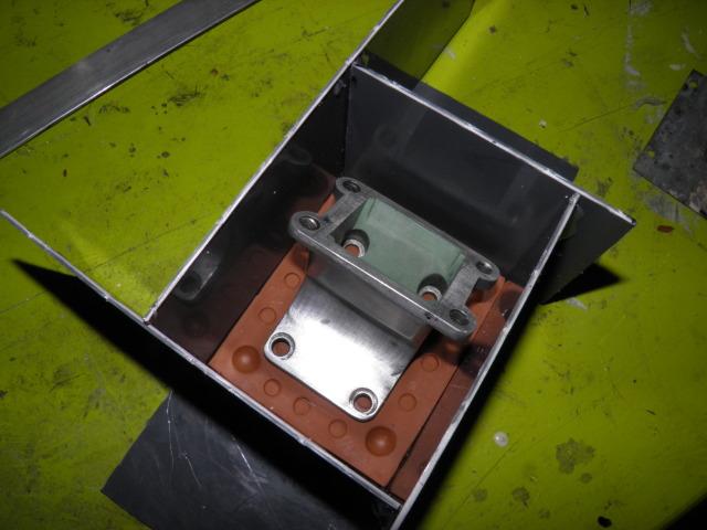Fabricación caja Lomat para Derbi Variant 2m7i16b