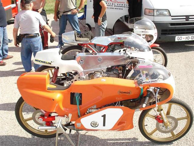 Amoticos de 50 cc GP 2qcf4go