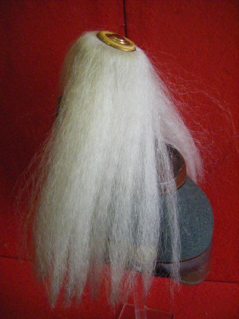Post sur les coiffures Impériales Allemandes. - Page 2 313lumh