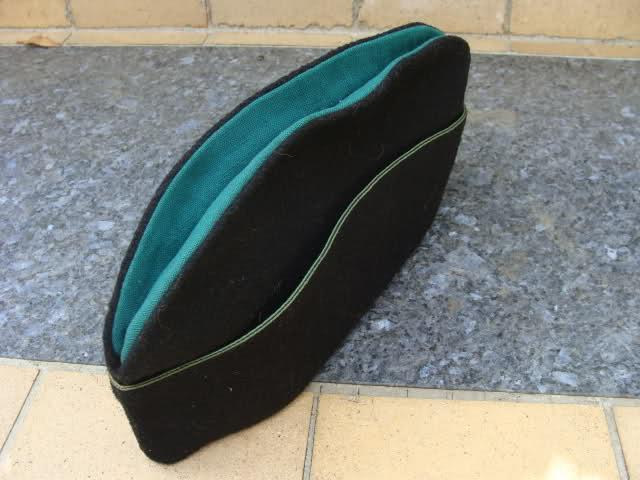 Les bonnets de police 35i50js