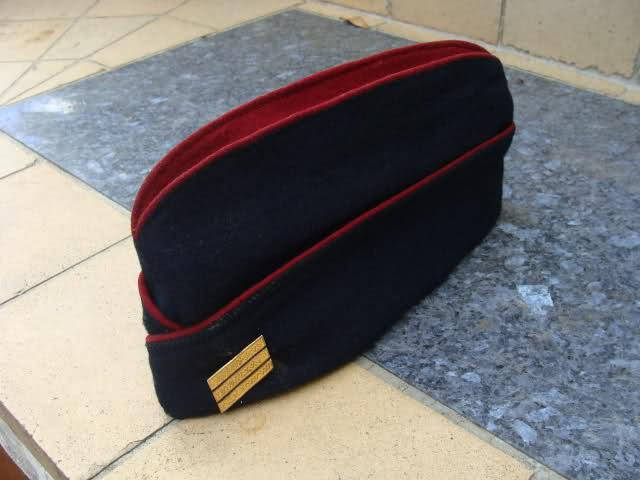 Les bonnets de police 6y05dy