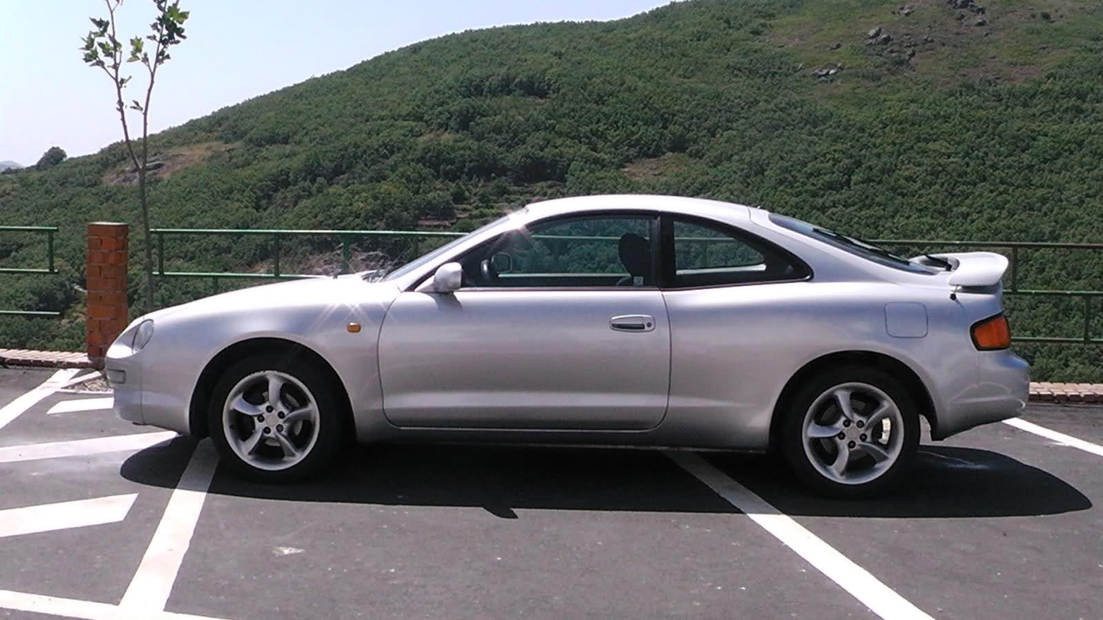 Os presento mi Toyota Celica 1.8St Vl4dx