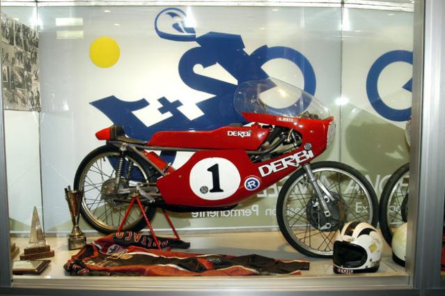 Amoticos de 50 cc GP 13yo9x