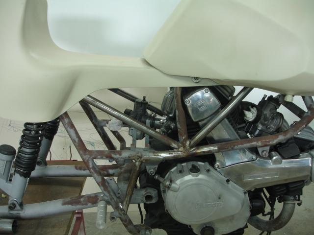 Cagiva/Ducati 350 para circuito - Página 2 2ceg32v