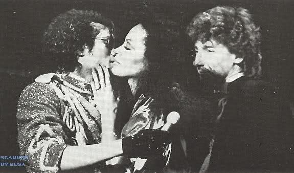 Bacio tra Diana Ross e Michael 2dsoc1s