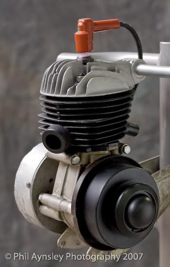 Que cantidad de ciclomotores Ducati juntos 2mel0