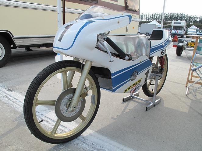 Amoticos de 50 cc GP 2q8yss7