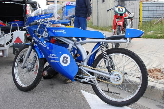 Exhibición de motos clásicas de competición en Beniopa (Valencia) 2ql52k2