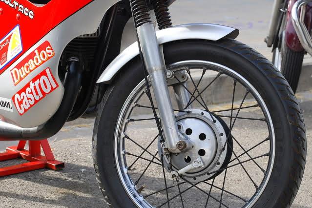 Exhibición de motos clásicas de competición en Beniopa (Valencia) 2s1vqmg