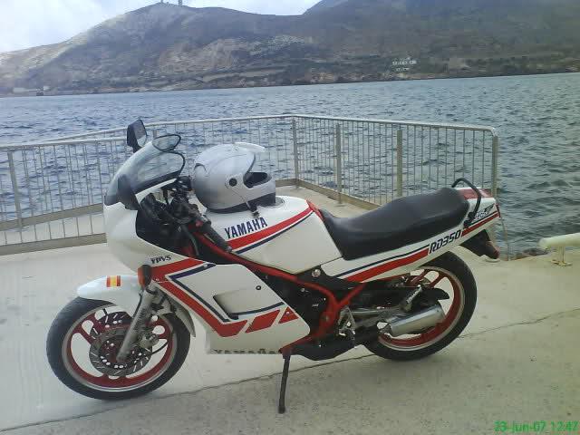 Yamaha RD350: la viuda negra 2vdqgzt