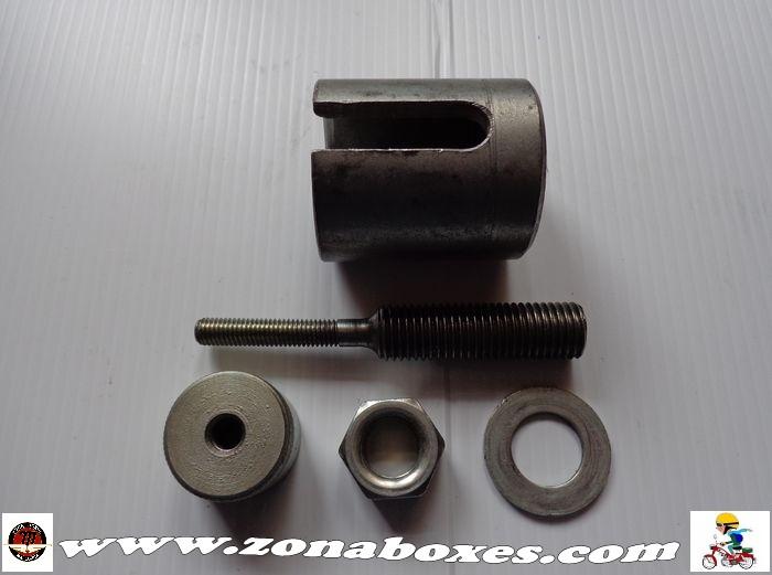 Extractor para los silentblocs del motor. 2vv7udf
