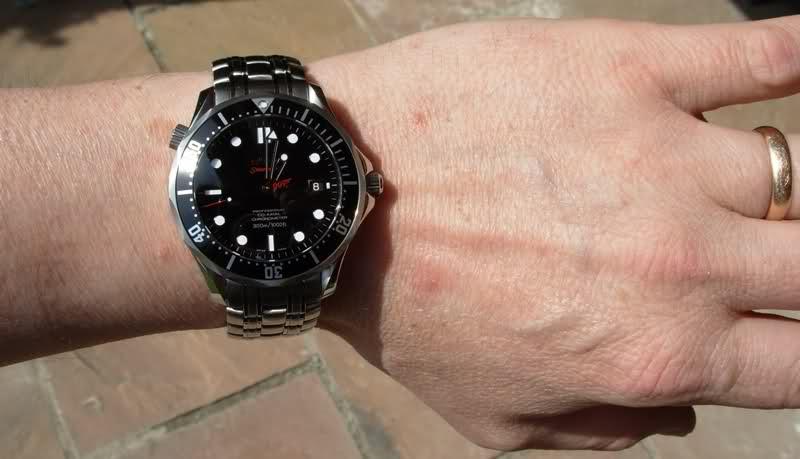 Attention : Omega VS Rolex ! (comparatif Submariner - Seamaster 30 Atm) Jk7y4n