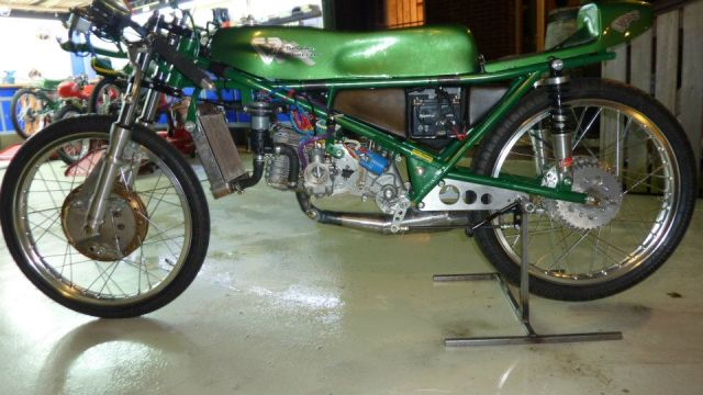 Amoticos de 50 cc GP Mvnrs0