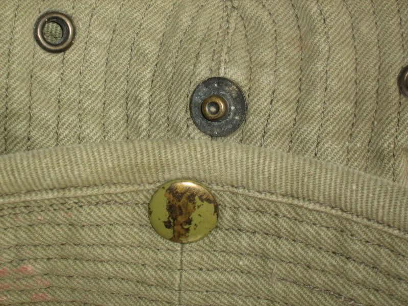 Le chapeau de broussse français R792tw