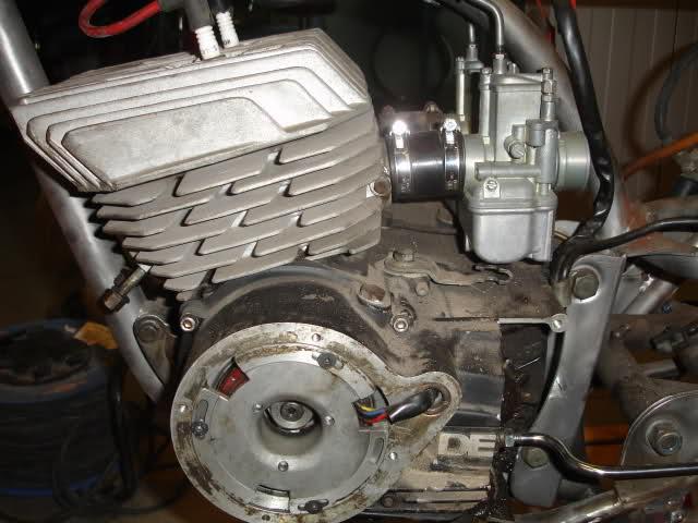 1001 - Derbi 2002 y 1001 para circuito. Xba1d2