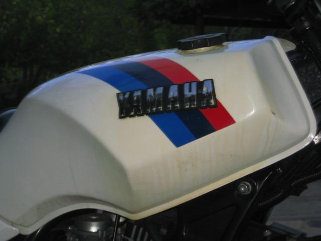 """Yamaha XS 400: """"el que la sigue la consigue"""" Zjz2tv"""