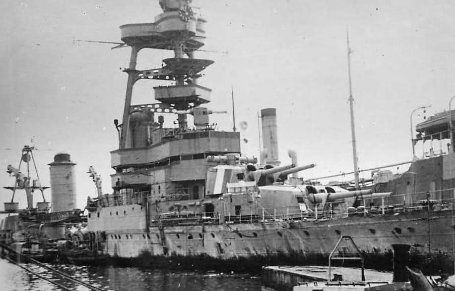 Le sabordage de la Flotte à Toulon (83) 27/11/1942 - Page 9 21d3pyp