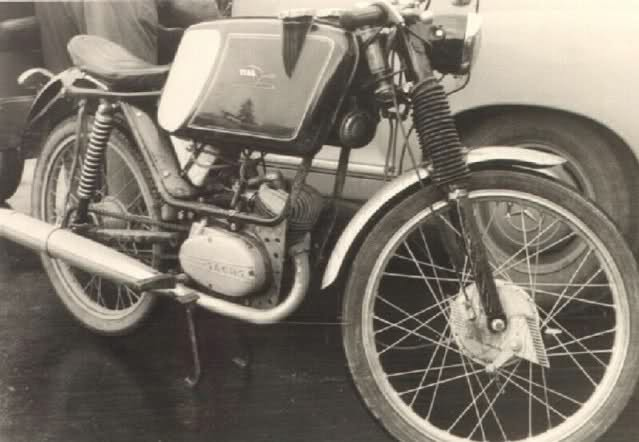 Ayuda identificar ciclomotor ¿Ducati? 349fouo